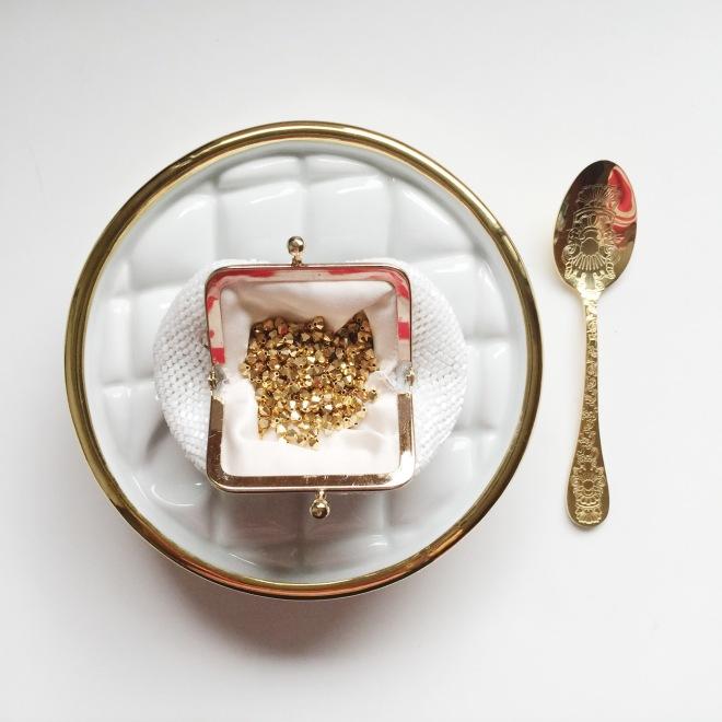 charlate-bead coin bag 1